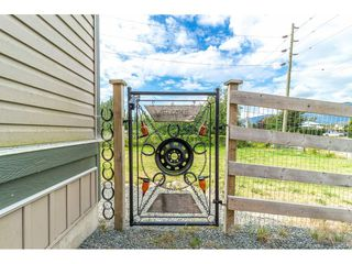 Main Photo: 41480 NO. 5 Road in Abbotsford: Sumas Prairie House for sale : MLS®# R2301427