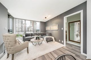 """Photo 2: 801 850 ROYAL Avenue in New Westminster: Downtown NW Condo for sale in """"THE ROYALTON"""" : MLS®# R2304317"""