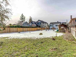 Photo 5: 7092 GRAY Avenue in Burnaby: Metrotown House for sale (Burnaby South)  : MLS®# R2345707