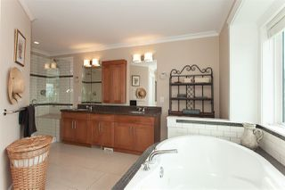 """Photo 12: 35826 TREETOP Drive in Abbotsford: Abbotsford East House for sale in """"Highlands"""" : MLS®# R2347337"""