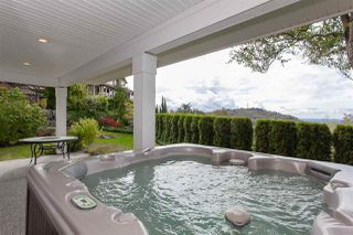 """Photo 19: 35826 TREETOP Drive in Abbotsford: Abbotsford East House for sale in """"Highlands"""" : MLS®# R2347337"""