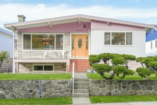 "Main Photo: 2835 ROSEMONT Drive in Vancouver: Fraserview VE House for sale in ""FRASERVIEW"" (Vancouver East)  : MLS®# R2357341"