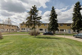 Photo 3: 5122 106A Street in Edmonton: Zone 15 Townhouse for sale : MLS®# E4155809