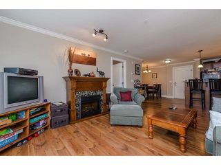 """Photo 5: 105 45753 STEVENSON Road in Sardis: Sardis East Vedder Rd Condo for sale in """"Park Place II"""" : MLS®# R2375433"""