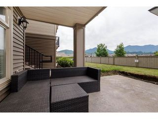 """Photo 11: 105 45753 STEVENSON Road in Sardis: Sardis East Vedder Rd Condo for sale in """"Park Place II"""" : MLS®# R2375433"""