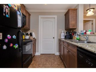 """Photo 8: 105 45753 STEVENSON Road in Sardis: Sardis East Vedder Rd Condo for sale in """"Park Place II"""" : MLS®# R2375433"""