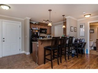 """Photo 7: 105 45753 STEVENSON Road in Sardis: Sardis East Vedder Rd Condo for sale in """"Park Place II"""" : MLS®# R2375433"""