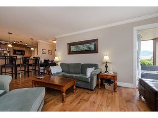"""Photo 4: 105 45753 STEVENSON Road in Sardis: Sardis East Vedder Rd Condo for sale in """"Park Place II"""" : MLS®# R2375433"""
