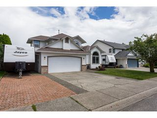 "Photo 1: 35443 LETHBRIDGE Drive in Abbotsford: Abbotsford East House for sale in ""Sandyhill"" : MLS®# R2378218"