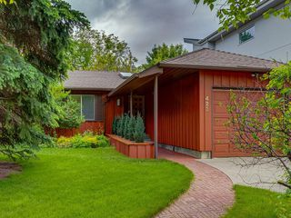 Main Photo: 423 36 Street SW in Calgary: Spruce Cliff Detached for sale : MLS®# C4255091
