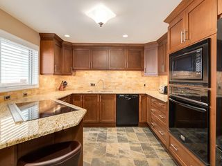 Photo 10: 423 36 Street SW in Calgary: Spruce Cliff Detached for sale : MLS®# C4255091