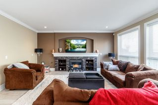 Photo 3: 6064 145 Street in Surrey: Sullivan Station House for sale : MLS®# R2384708