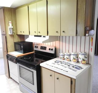 "Photo 14: 8 3031 200TH Street in Langley: Brookswood Langley Manufactured Home for sale in ""CEDAR CREEK"" : MLS®# R2462512"