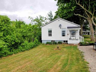 Photo 1: 2257 Highway 1 in Auburn: 404-Kings County Residential for sale (Annapolis Valley)  : MLS®# 202011078