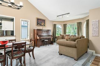 Photo 5: 8237 Edgebrook Drive NW in Calgary: Edgemont Detached for sale : MLS®# A1046214
