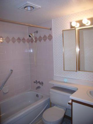 Photo 6: 206 15130 Roper Avenue in The Carrington: White Rock Home for sale ()  : MLS®# F2627525