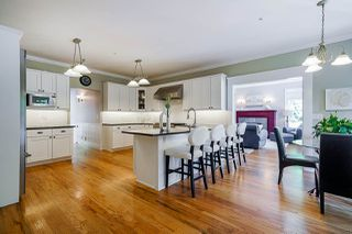 """Photo 10: 13328 COULTHARD Road in Surrey: Panorama Ridge House for sale in """"Panorama Ridge"""" : MLS®# R2523004"""