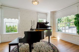 """Photo 5: 13328 COULTHARD Road in Surrey: Panorama Ridge House for sale in """"Panorama Ridge"""" : MLS®# R2523004"""