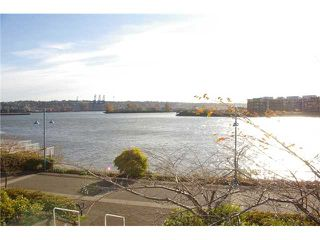 """Photo 2: 204 1250 QUAYSIDE Drive in New Westminster: Quay Condo for sale in """"THE PROMENADE"""" : MLS®# V919587"""