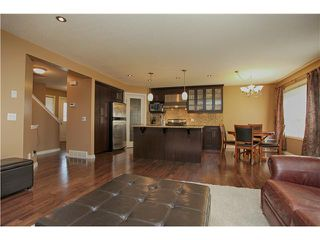 Photo 4: 118 VALLEY PONDS Crescent NW in CALGARY: Valley Ridge Residential Detached Single Family for sale (Calgary)  : MLS®# C3613023