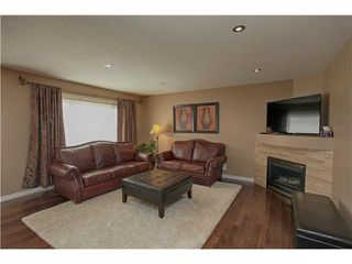 Photo 3: 118 VALLEY PONDS Crescent NW in CALGARY: Valley Ridge Residential Detached Single Family for sale (Calgary)  : MLS®# C3613023