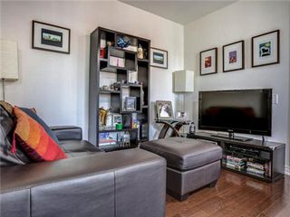 Photo 14: 1101 60 W St Clair Avenue in Toronto: Yonge-St. Clair Condo for lease (Toronto C02)  : MLS®# C3225791