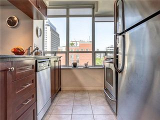 Photo 19: 1101 60 W St Clair Avenue in Toronto: Yonge-St. Clair Condo for lease (Toronto C02)  : MLS®# C3225791