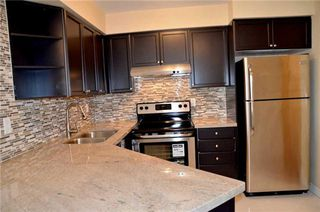 Photo 16: 920 3888 Duke Of York Boulevard in Mississauga: City Centre Condo for sale : MLS®# W3243936