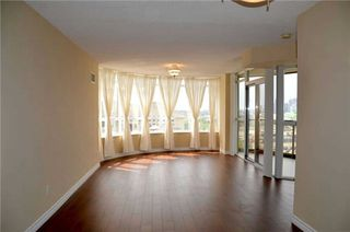 Photo 11: 920 3888 Duke Of York Boulevard in Mississauga: City Centre Condo for sale : MLS®# W3243936