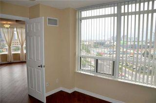 Photo 3: 920 3888 Duke Of York Boulevard in Mississauga: City Centre Condo for sale : MLS®# W3243936