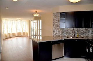 Photo 2: 920 3888 Duke Of York Boulevard in Mississauga: City Centre Condo for sale : MLS®# W3243936