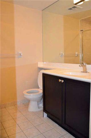 Photo 9: 920 3888 Duke Of York Boulevard in Mississauga: City Centre Condo for sale : MLS®# W3243936