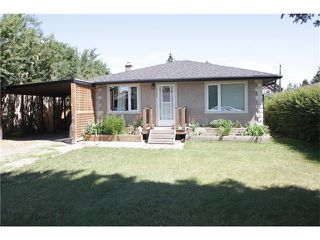 Photo 1: 4608 81 Street NW in Calgary: Bowness House for sale : MLS®# C4023837