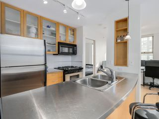"Photo 4: 1602 969 RICHARDS Street in Vancouver: Downtown VW Condo for sale in ""MONDRIAN 2"" (Vancouver West)  : MLS®# R2060003"