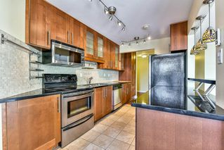 """Photo 3: 402 1437 FOSTER Street: White Rock Condo for sale in """"wedgewood"""" (South Surrey White Rock)  : MLS®# R2068954"""