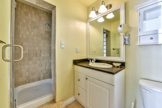 """Photo 17: 402 1437 FOSTER Street: White Rock Condo for sale in """"wedgewood"""" (South Surrey White Rock)  : MLS®# R2068954"""