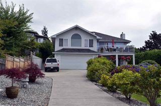 Main Photo: 4848 EAGLEVIEW Road in Sechelt: Sechelt District House for sale (Sunshine Coast)  : MLS®# R2089332