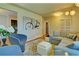 Photo 5: 147 WESTVIEW Drive SW in Calgary: Westgate House for sale : MLS®# C4077517