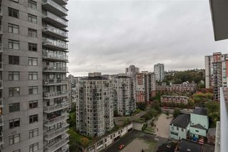 Photo 3: 2110 888 CARNARVON Street in New Westminster: Downtown NW Condo for sale : MLS®# R2132252