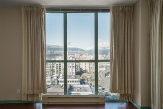 """Photo 9: 1101 1633 W 10TH Avenue in Vancouver: Fairview VW Condo for sale in """"HENNESSY HOUSE"""" (Vancouver West)  : MLS®# R2132652"""