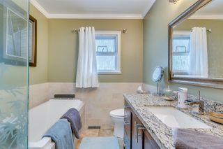 Photo 11: 933 STEWART Avenue in Coquitlam: Maillardville House for sale : MLS®# R2144525