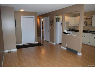 Photo 4: 54 East Lake Drive in Winnipeg: Waverley Heights Residential for sale (1L)  : MLS®# 1705746