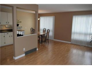 Photo 3: 54 East Lake Drive in Winnipeg: Waverley Heights Residential for sale (1L)  : MLS®# 1705746