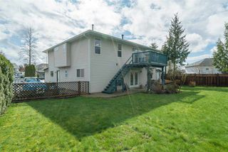 """Photo 4: 21555 51B Avenue in Langley: Murrayville House for sale in """"Murrayville"""" : MLS®# R2151102"""