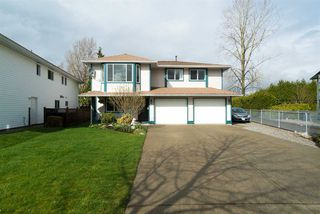 """Photo 2: 21555 51B Avenue in Langley: Murrayville House for sale in """"Murrayville"""" : MLS®# R2151102"""