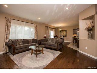 Photo 5: 37 Hull Avenue in Winnipeg: St Vital Residential for sale (2D)  : MLS®# 1708503