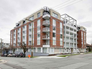 "Photo 1: 303 311 E 6TH Avenue in Vancouver: Mount Pleasant VE Condo for sale in ""Wohlsein"" (Vancouver East)  : MLS®# R2156240"