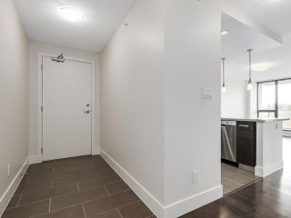 "Photo 2: 706 2959 GLEN Drive in Coquitlam: North Coquitlam Condo for sale in ""THE PARC"" : MLS®# R2156531"