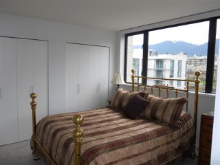 "Photo 9: 701 124 W 1ST Street in North Vancouver: Lower Lonsdale Condo for sale in ""THE ""Q"""" : MLS®# R2160332"