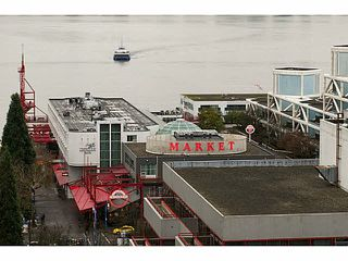 "Photo 19: 701 124 W 1ST Street in North Vancouver: Lower Lonsdale Condo for sale in ""THE ""Q"""" : MLS®# R2160332"